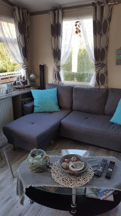 gemütliches Sofa mit Leseecke