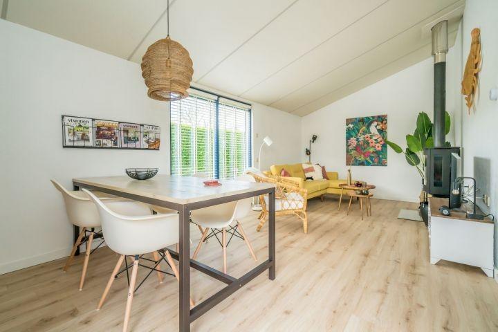 Das sehr geschmackvoll, neu eingerichtete Wohnzimmer