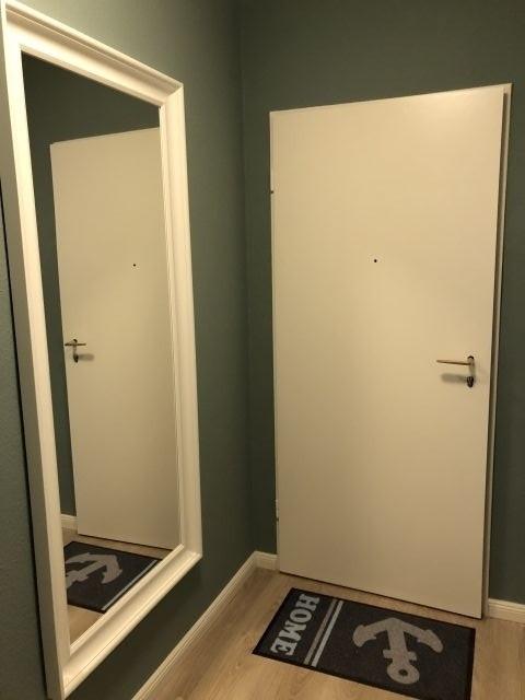 Eingangsbereich mit Ganzkörperspiegel