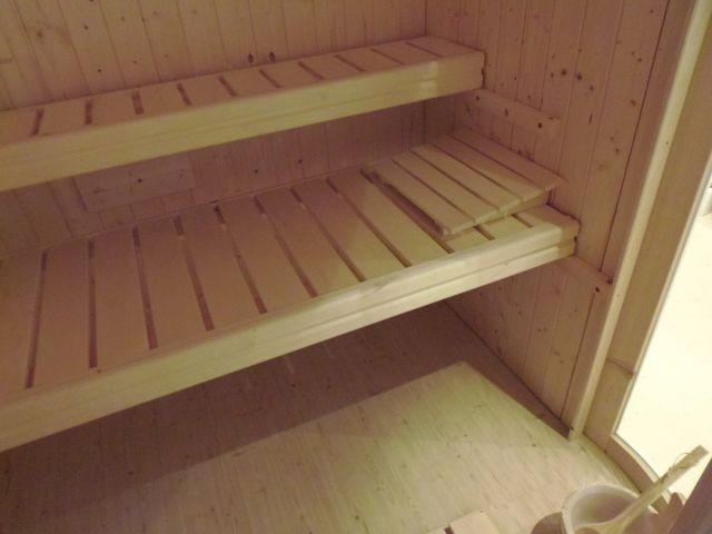 Sauna mit Dampfbadfunktion (Aufgüsse inkl.)
