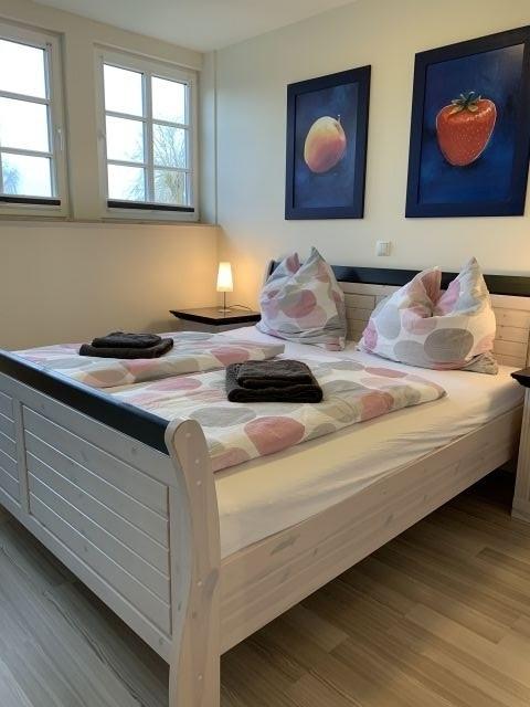 2. Schlafzimmer im 1.OG mit Doppelbett 180x200