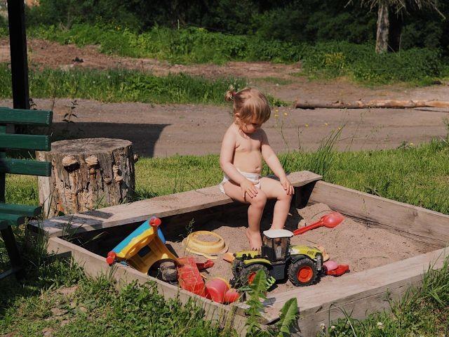 der kleine Sandkasten für die Kinderfantasie