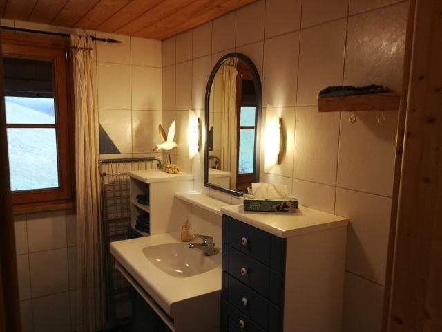 Bad EG  ... das WC ist in extra Raum mit Fenster