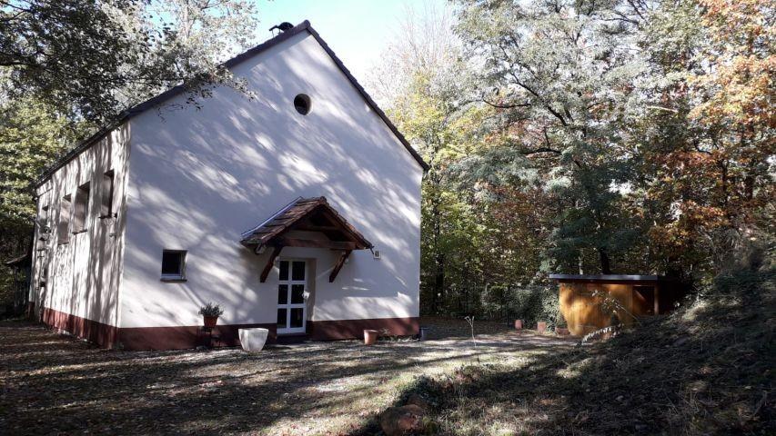 Forsthaus im Herbst
