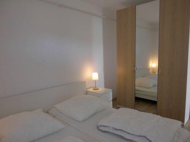 Großes Schlafzimmer, Doppelbett (180x200cm), großer Kleiderschrank
