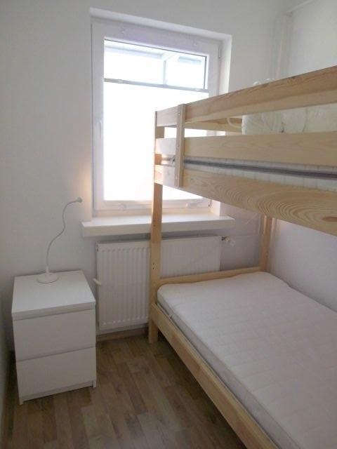 Kleines Schlafzimmer mit Stockbett (Liegefläche 90x200cm)