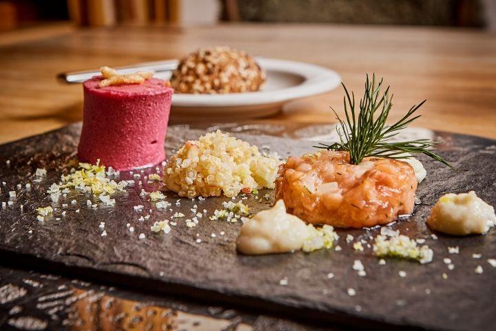 """Kulinarik auf höchstem Niveau im Restaurant """"Die 5. Jahreszeit"""" bei uns im Hotel Riederhof"""