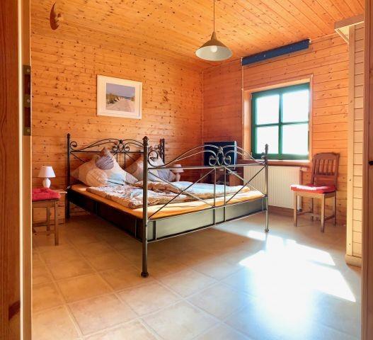 Schlafzimmer 1 mit Sauna