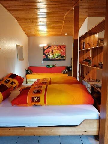 Doppelbett mit zusätzlichem 3. Bett