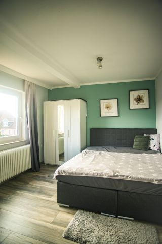 Schlafzimmer 2 mit Boxspringbett
