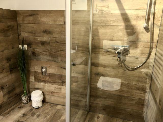 mit Walk-In-Dusche