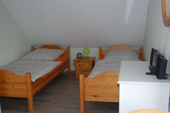2. Schlafzimmer/Einzelbetten