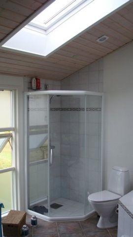 Dusche im grossen Badezimmer