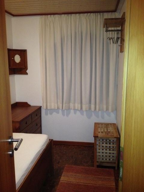 Schlafzimmer Blick zum Fenster