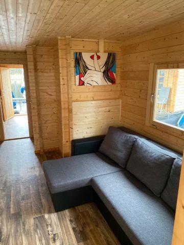 Wohnbereich mit Schlafsofa (1,40 x 2,00 m)