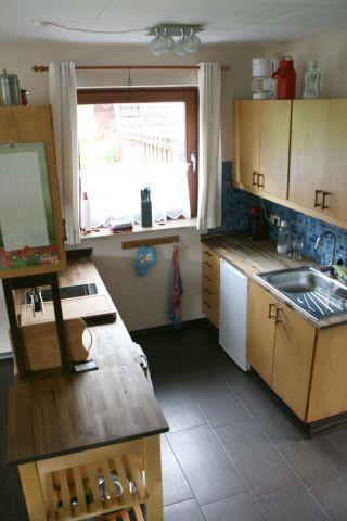 Große vollständig eingerichtete Küche