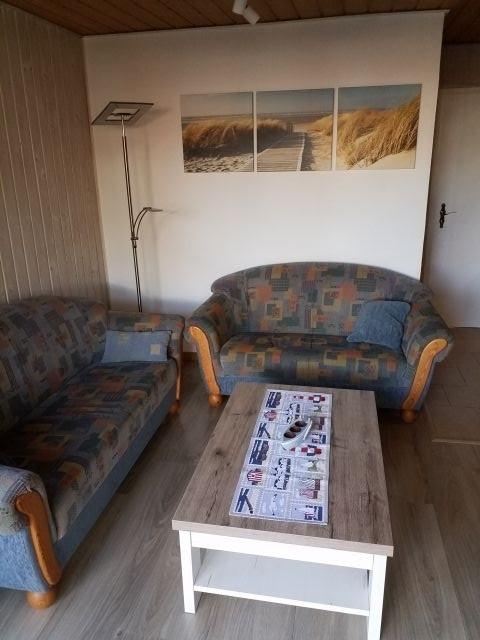Wohnzimmer / Sitzecke mit 3. und 2-Sitzer