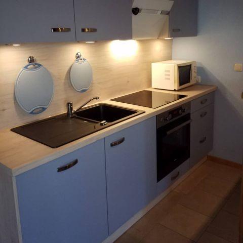 - Neu - eingebaute Küche