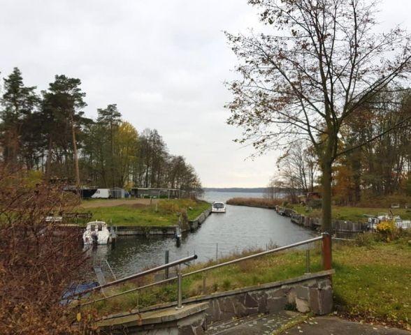 Der Bootshafen mit Bootsvereih am Wolziger See-nur 400m vom Urlaubswald entfernt