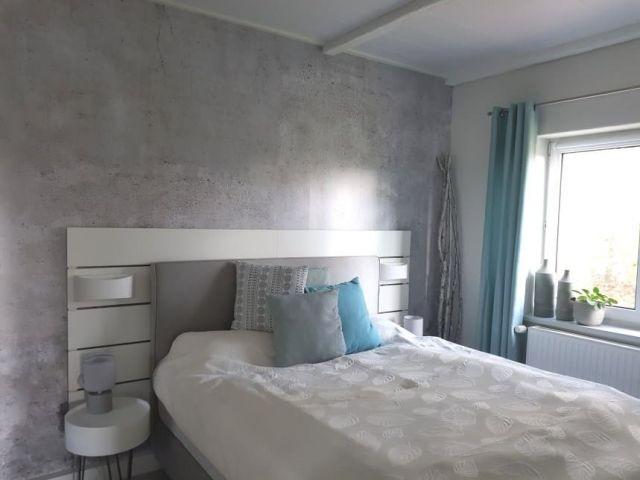 Schlafzimmer 1 - mit einem gemütlichen 1.60m breiten Boxspringbett
