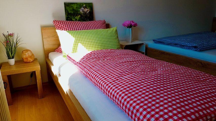 3. Schlafzimmer mit einem Bett 140x200cm   1 Bett 90x200cm