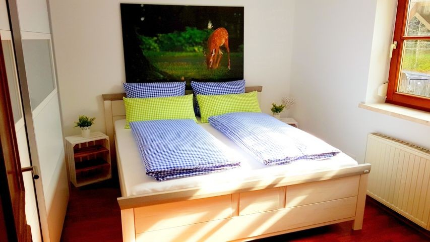 2. Schlafzimmer 180x200cm Bett   Komforthöhematrazen   Topper