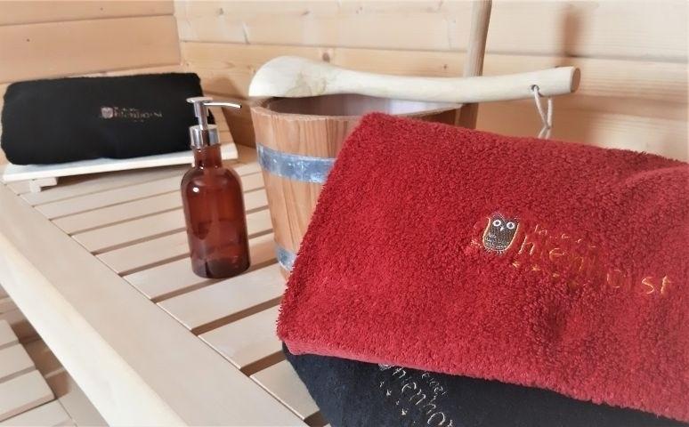 Aufgussflüssigkeit und Handtücher - gehören zu den 60 Inklusiv-Leistungen.