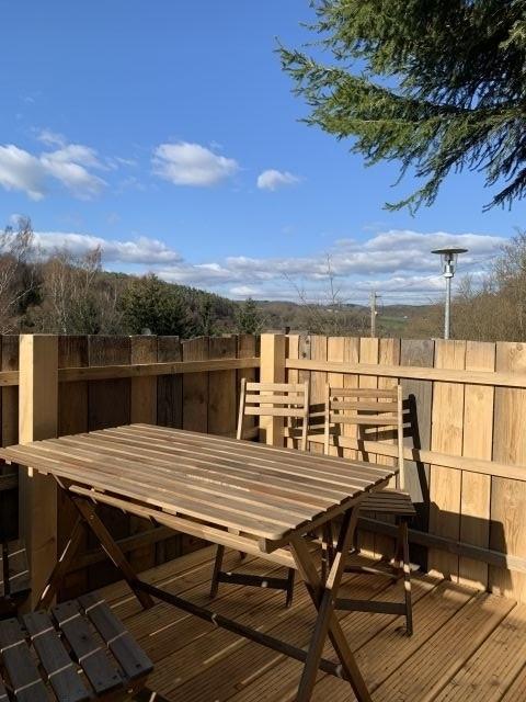 Terrasse mit Fernblick Kleines Jagdhaus