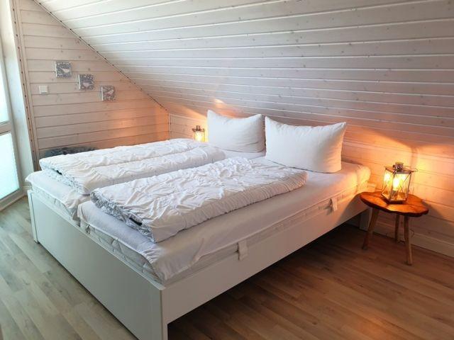 Doppelbettzimmer III