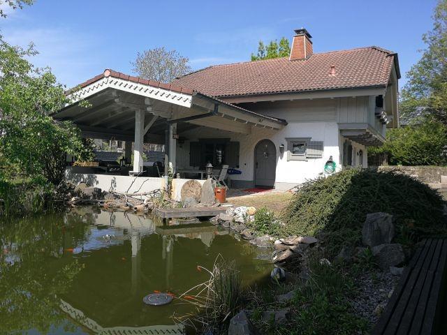 Das Haus mit Teich !