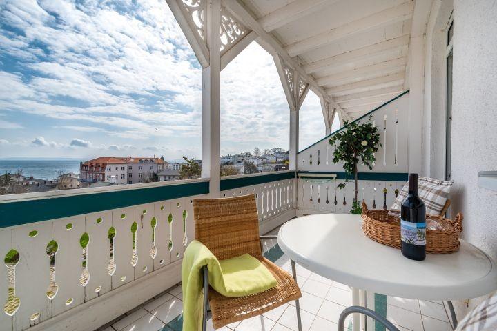 Balkon mit Blick auf Ostsee