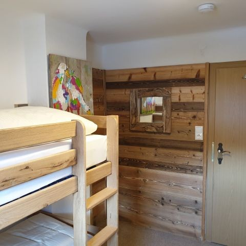 Schlafzimmer mit 2 Stockbetten