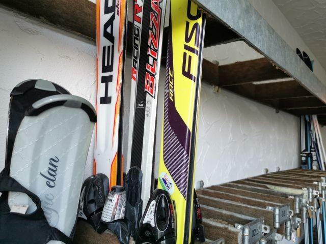Abstellmöglichkeit Skier