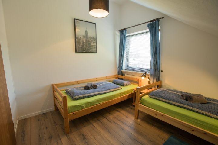 Schlafzimmer 3 (Kinderzimmer) mit 2 Einzelbetten