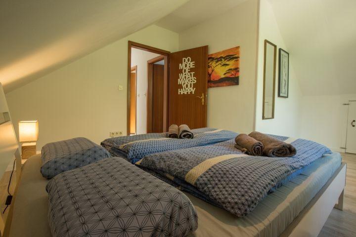 Schlafzimmer 2 - Blick vom Bett