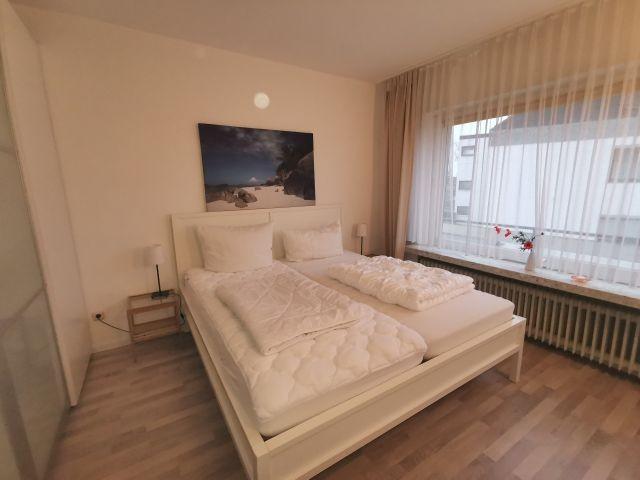 Das zweite Schlafzimmer mit TV