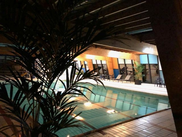 Parkeigenes Hallenbad zum Entspannen und Plantschen