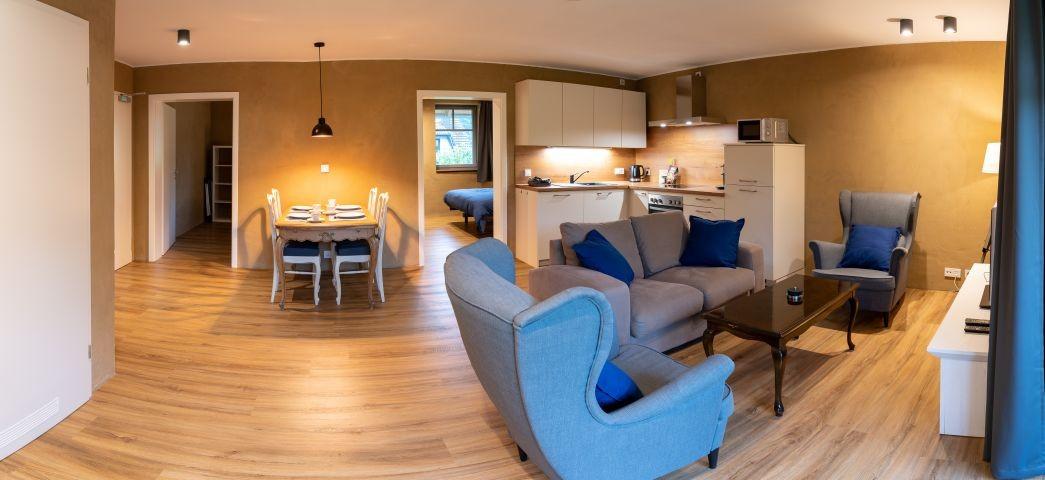 Küche, Essbereich und Sitzecke
