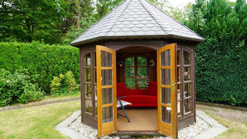 Das Teehaus lädt ein zum Lesen und Entspannen