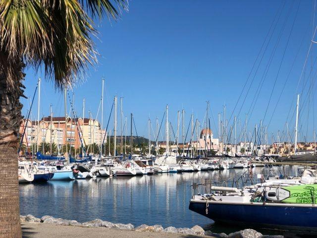 Blick in den Hafen von Gruissan