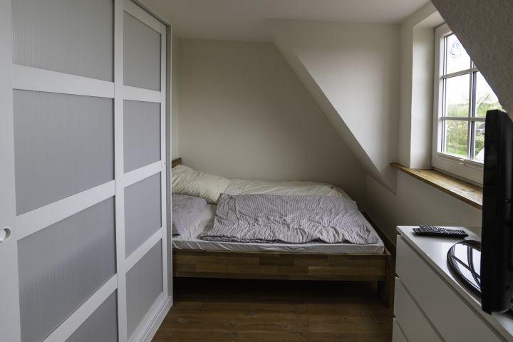 Schlafzimmer 2        1. Stock