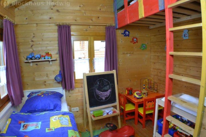 Kinderschlafzimmer mit Spielecke