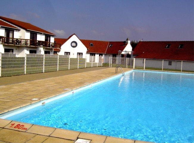 Zum Park gehört ein Pool (Mitte Jun - Mitte Sept)...