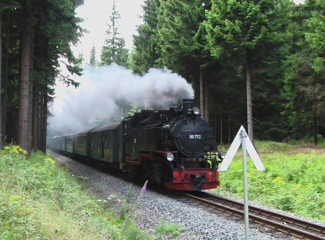 mit der Fichtelbergbahn nach Oberwiesenthal