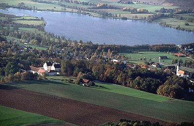 Luftbils See und Schloss