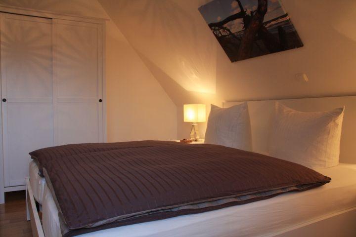 Großes Schlafzimmer im DG