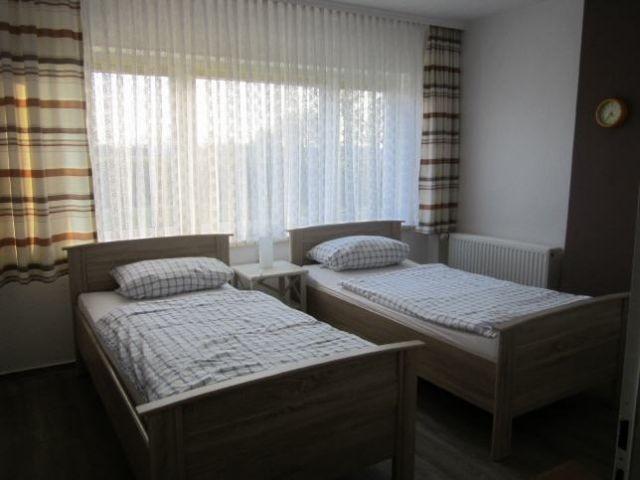 1. Zweibett-Zimmer im 1. Stock