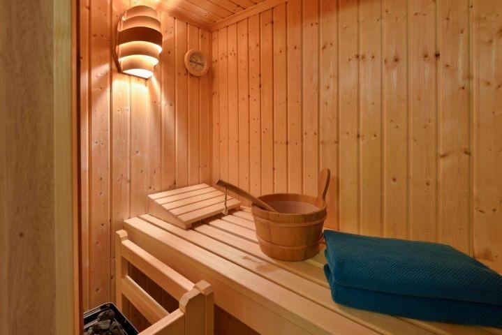 Wellness in der hauseigenen Sauna