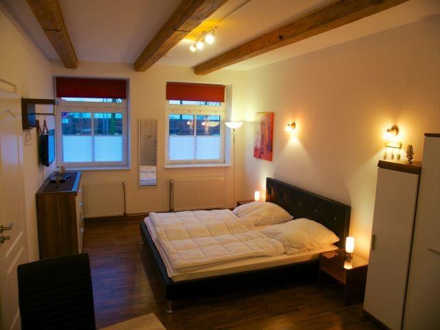 fewo l tt direkt am alten hafen. Black Bedroom Furniture Sets. Home Design Ideas