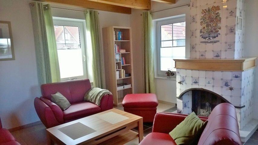 Wohnzimmer EG mit Kachelkaminofen